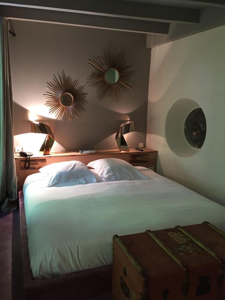 Chateau De La Pomarede In Carcassonne Hotel Rates Reviews On