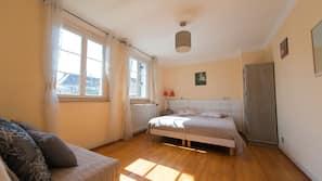 2 chambres, coffres-forts dans les chambres, Wi-Fi, draps fournis