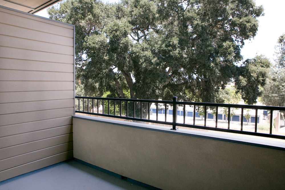 Balcony, Hotel Siri Downtown - Paso Robles