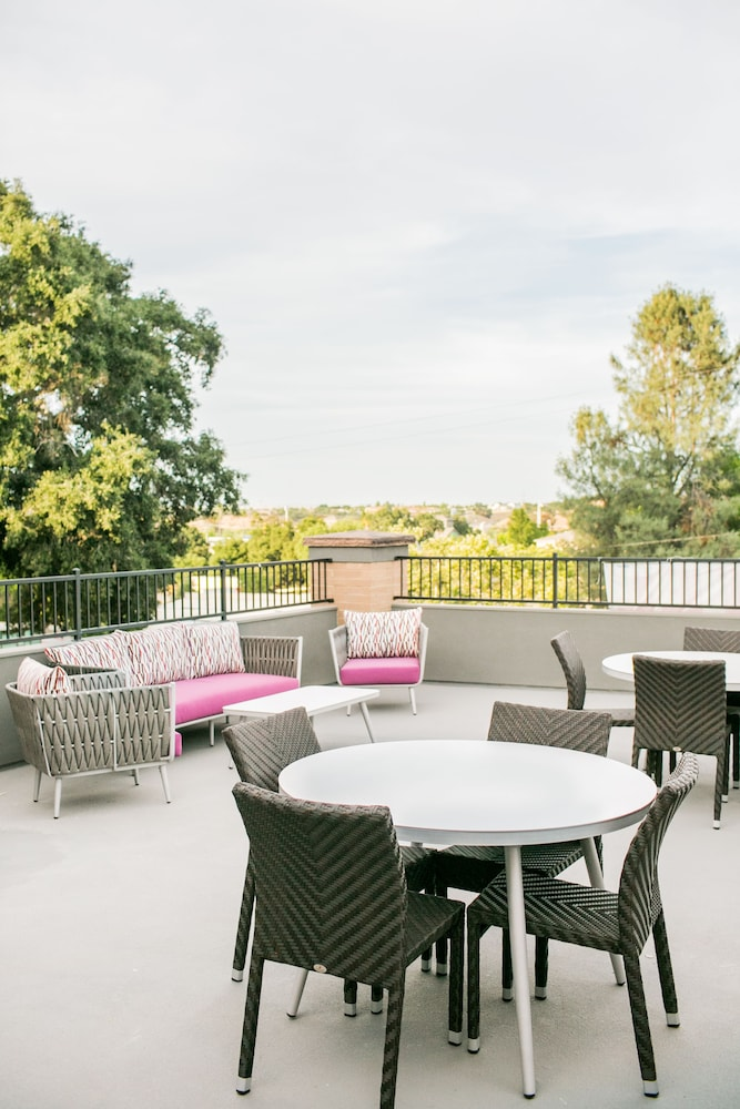 Terrace/Patio, Hotel Siri Downtown - Paso Robles