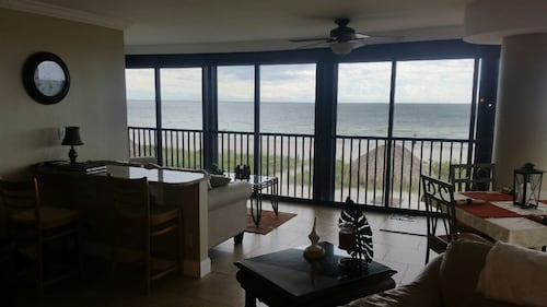 Large Remodeled Condo on Beautiful Bonita Beach