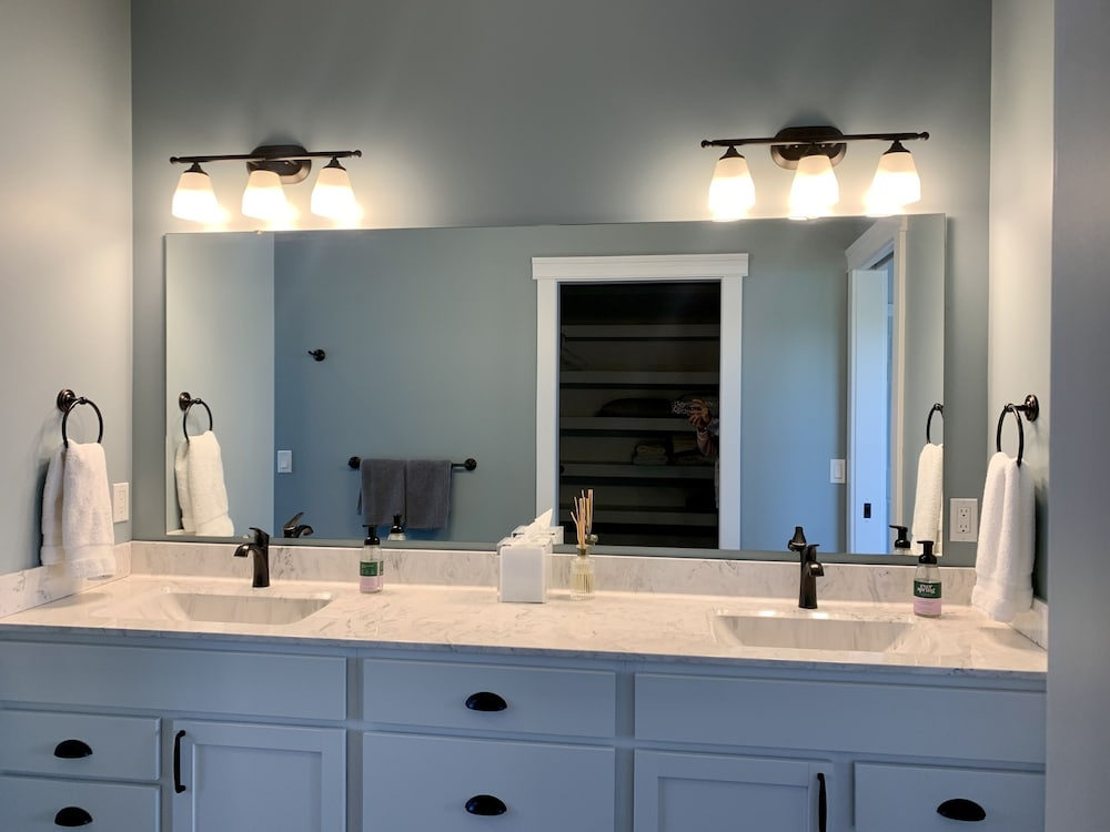 Bathroom, Brand New!!! Crystal Lake Condo - Sleeps 8!