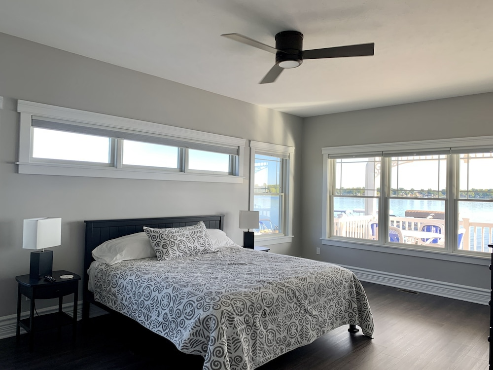 Room, Brand New!!! Crystal Lake Condo - Sleeps 8!