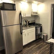 1721 5C · Fantastic 2bed Apt/parking Available -20min to NYC