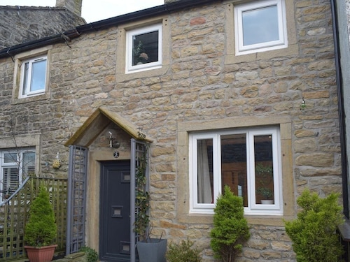 2 Bedroom Accommodation in Salterforth, Near Barnoldswick