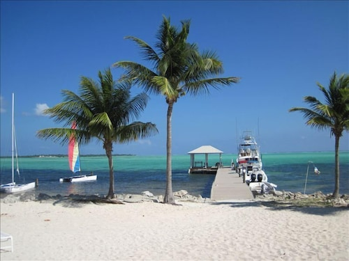 Get Away From it All With a Relaxing Cayman Islands Vacation!