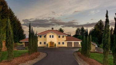 Beautiful Estate Home Centrally Located in Oregon Wine Country