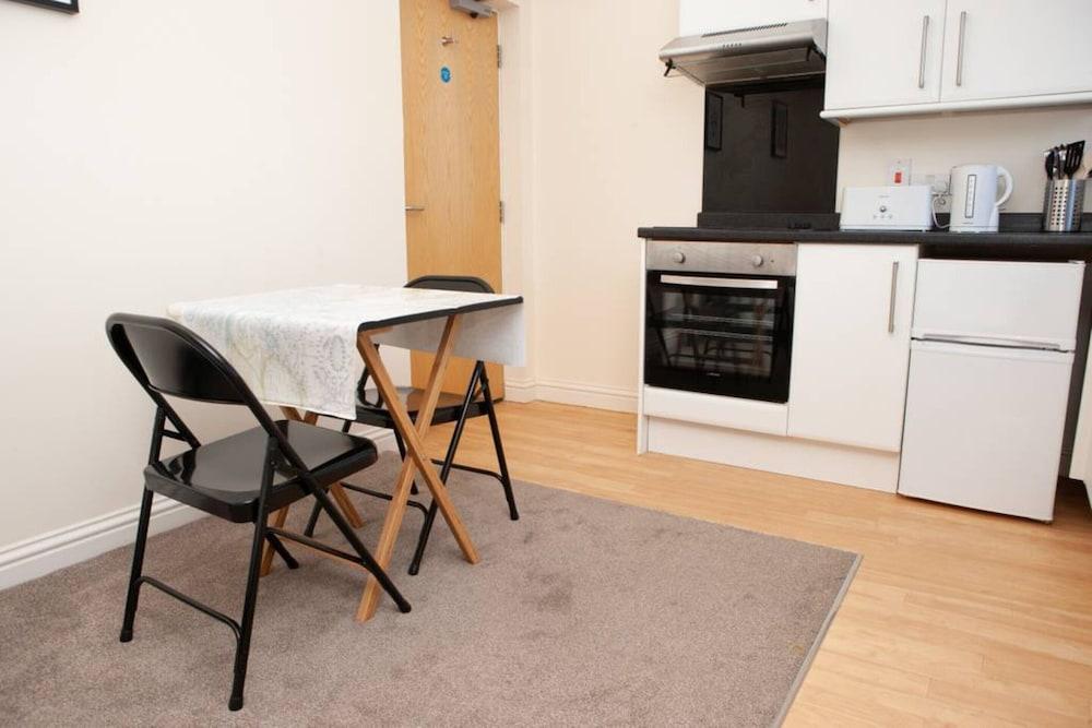 Ious Studio Apartment