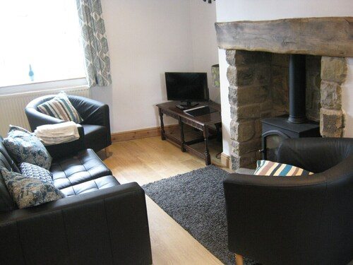 Drover Cottage Cosy Cottage in the Heart of Hayfield Perfect for Quiet Trips awa
