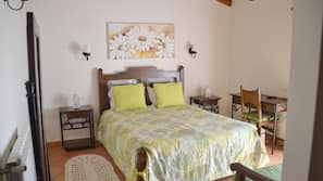 Individually decorated, free cribs/infant beds, free WiFi, linens