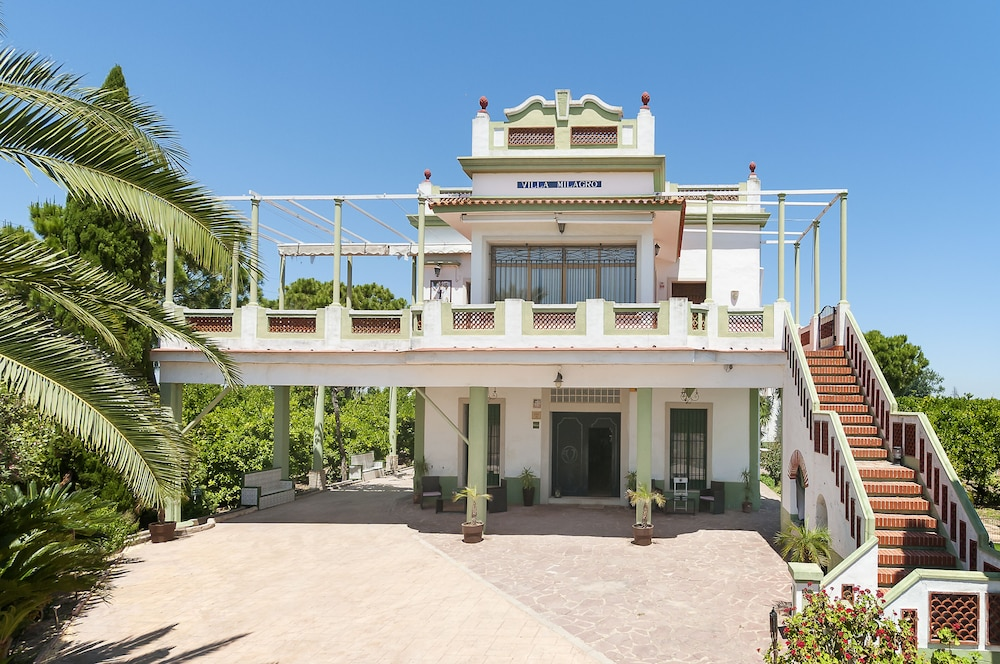 Featured Image, Villa Milagro