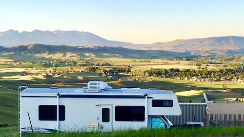 Mystic Mountain RV ... 3 Nite min & is a Sationery Rental