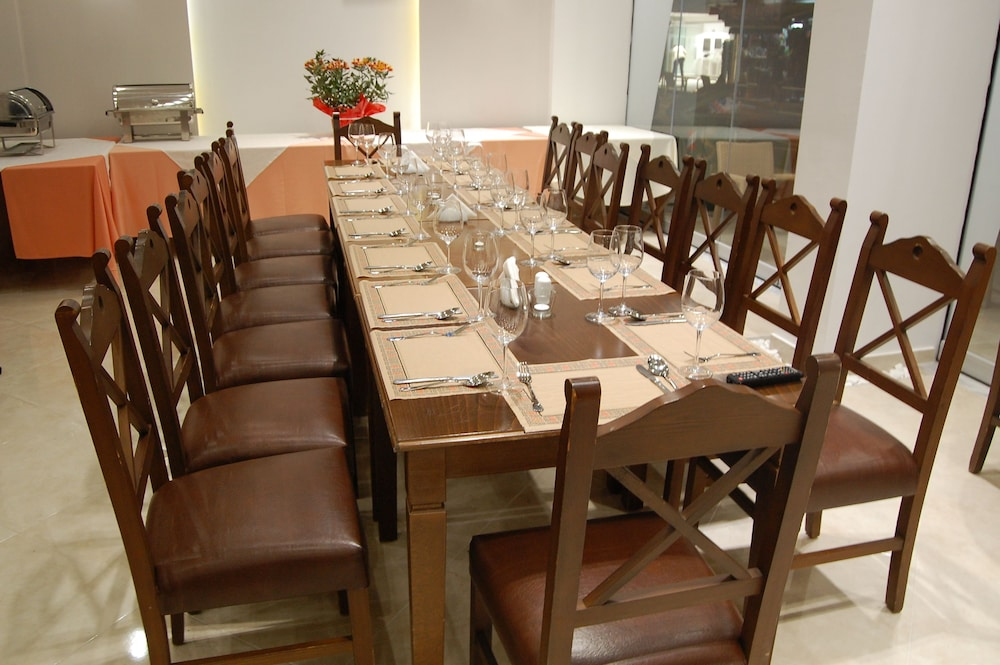 Dining, Paralia Beach Boutique Hotel