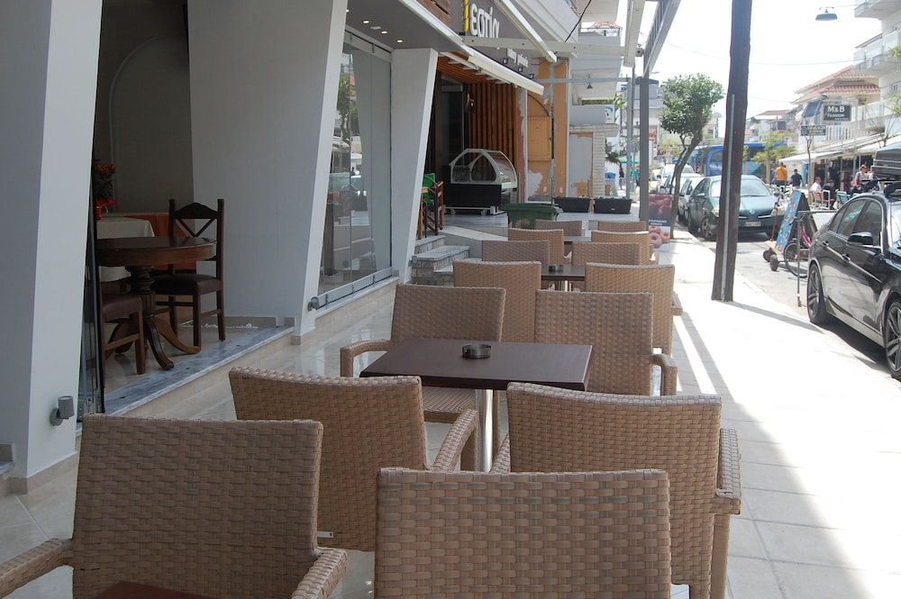 Property Grounds, Paralia Beach Boutique Hotel