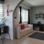 Cute Apartment IN Ponce, Av. Las Américas /3bedrooms + Parking