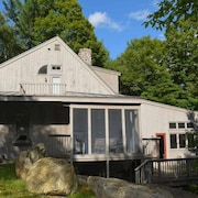 Mountain Retreat Near Dartmouth & Sunapee