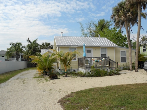 best fort myers beach cottages for 2019 find cheap 98 cottage rh travelocity com fort myers beach florida vacation rentals fort myers beach vacation rentals