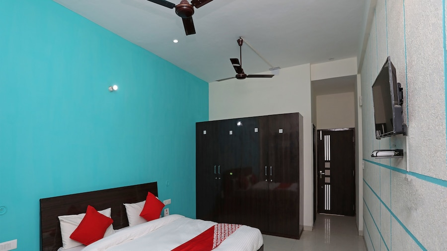 OYO 14634 Star Guest House