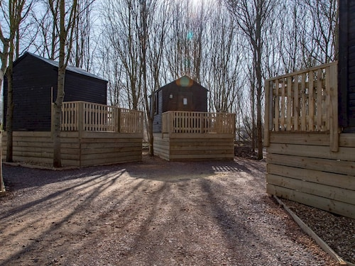 Treehouse Cuckoo - One Bedroom Apartment, Sleeps 2