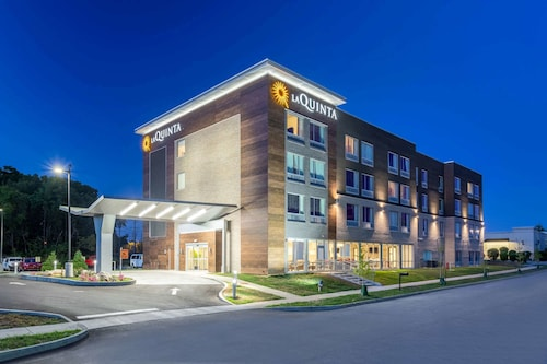 La Quinta Inn & Suites by Wyndham Bloomington