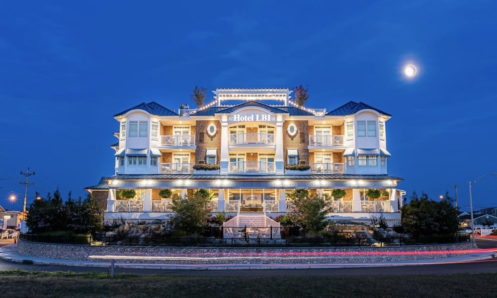 Front of Property - Evening/Night, Hotel LBI