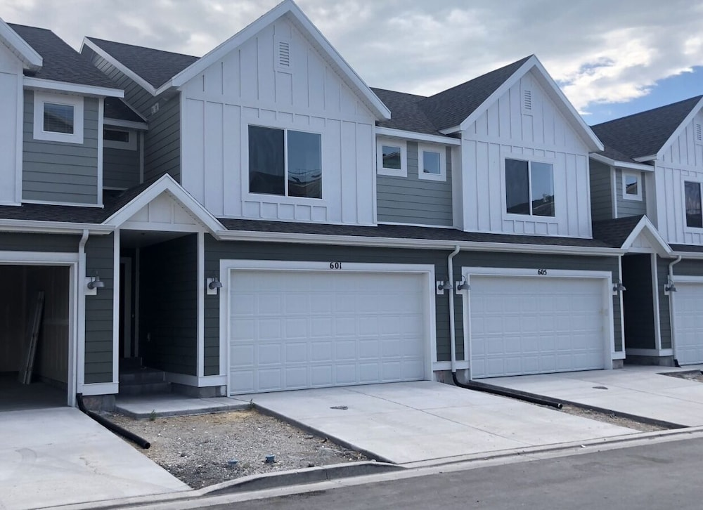 Featured Image, Brand NEW Townhome Across THE Street From UVU