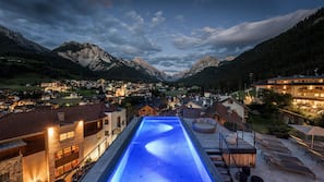 Indoor pool, 2 outdoor pools, sun loungers