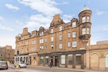 Silver Lining Charming Meadowbank Flat