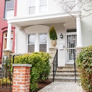 Renovated Capitol Hill Home: 1 Block to Metro, and has Garage!
