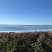 Oceanfront, Top Floor, End Unit, Sky Light, Newly Renovated!