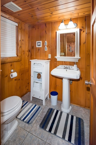 Bathroom, All Season Cabin on the Canal of the Indian River Between Burt and Mullet Lake!