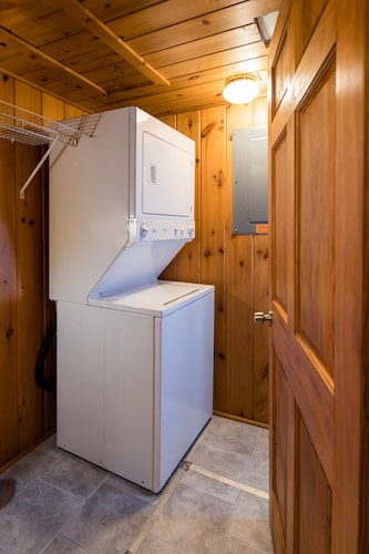 Laundry Room, All Season Cabin on the Canal of the Indian River Between Burt and Mullet Lake!