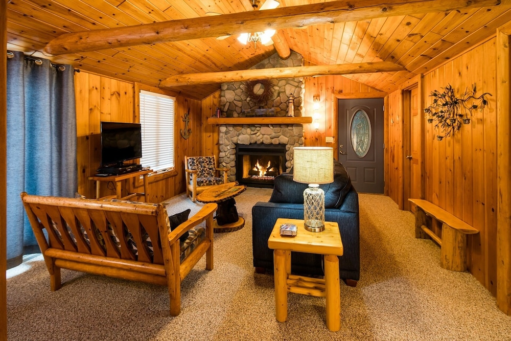 Living Room, All Season Cabin on the Canal of the Indian River Between Burt and Mullet Lake!