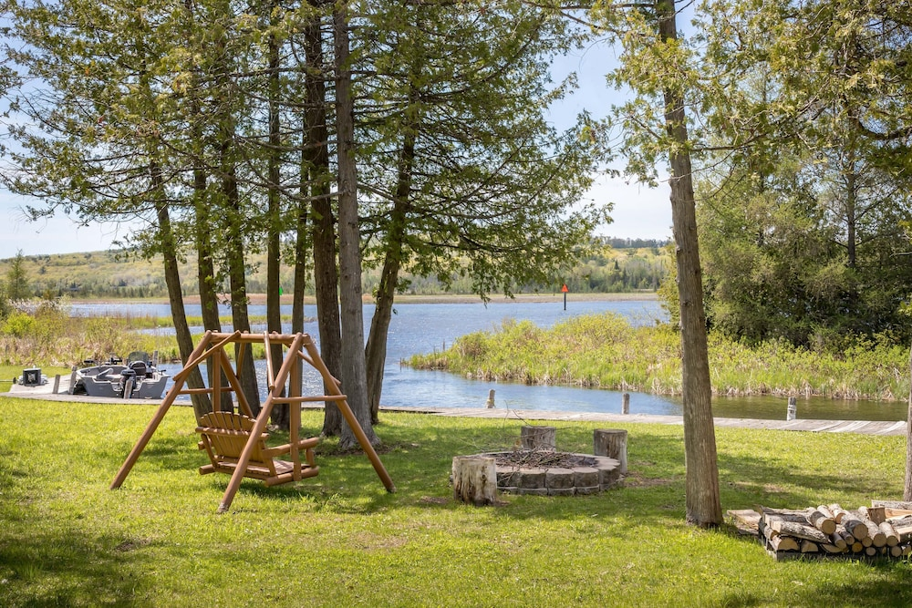 Property Grounds, All Season Cabin on the Canal of the Indian River Between Burt and Mullet Lake!