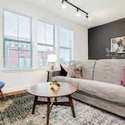 Amazing New 2bdrm/2bath Apt Downtown