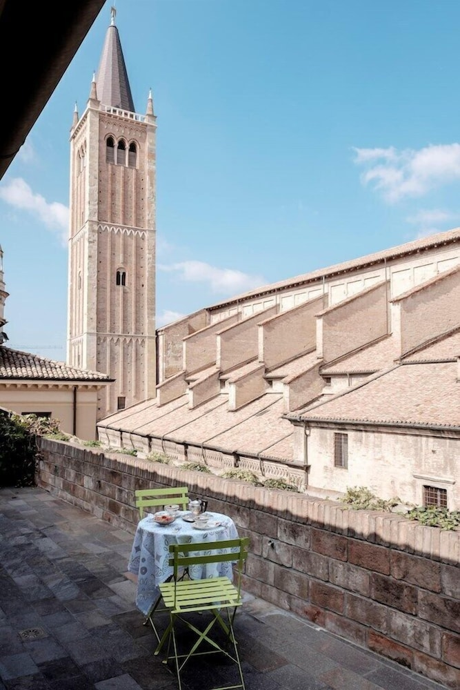 B B La Terrazza Sul Duomo Deals Reviews Parma Ita Wotif