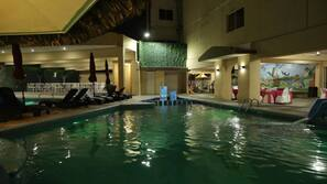 2 outdoor pools, open 10:00 AM to 10:30 PM, pool umbrellas