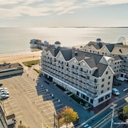 Gorgeous Ocean View Condo - #301 Grand Victorian