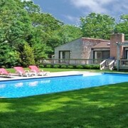 East Hampton Slice of Heaven With Heated Pool and 3 Minute Drive to Village