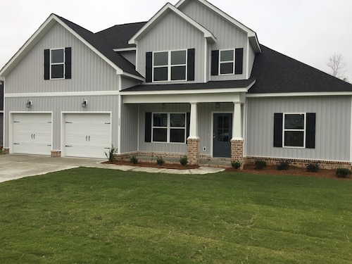 Brand new Beautiful Home Close to the National