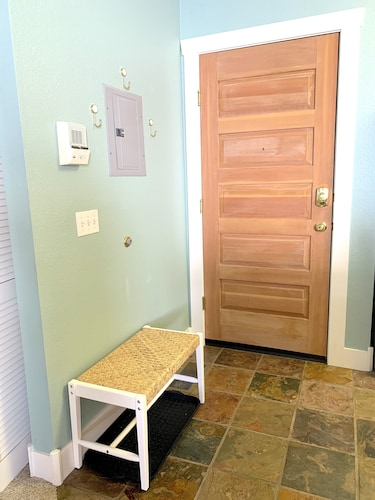 Room, 2 Br/2 BA Fabulous Location, Mountain View!