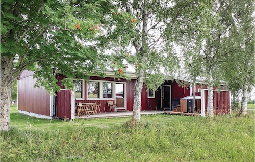 2 Bedroom Accommodation in Trångsviken