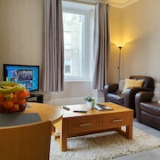 Nest4u Serviced Apartments - Cosy 2 Bedroomed Flat Available