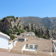 3 Double Rooms With Large sun Terrace