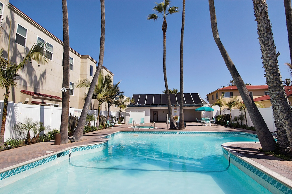 Pool, 3-bedroom Capri by the Sea Ocean View Penthouse at Beautiful Pacific Beach