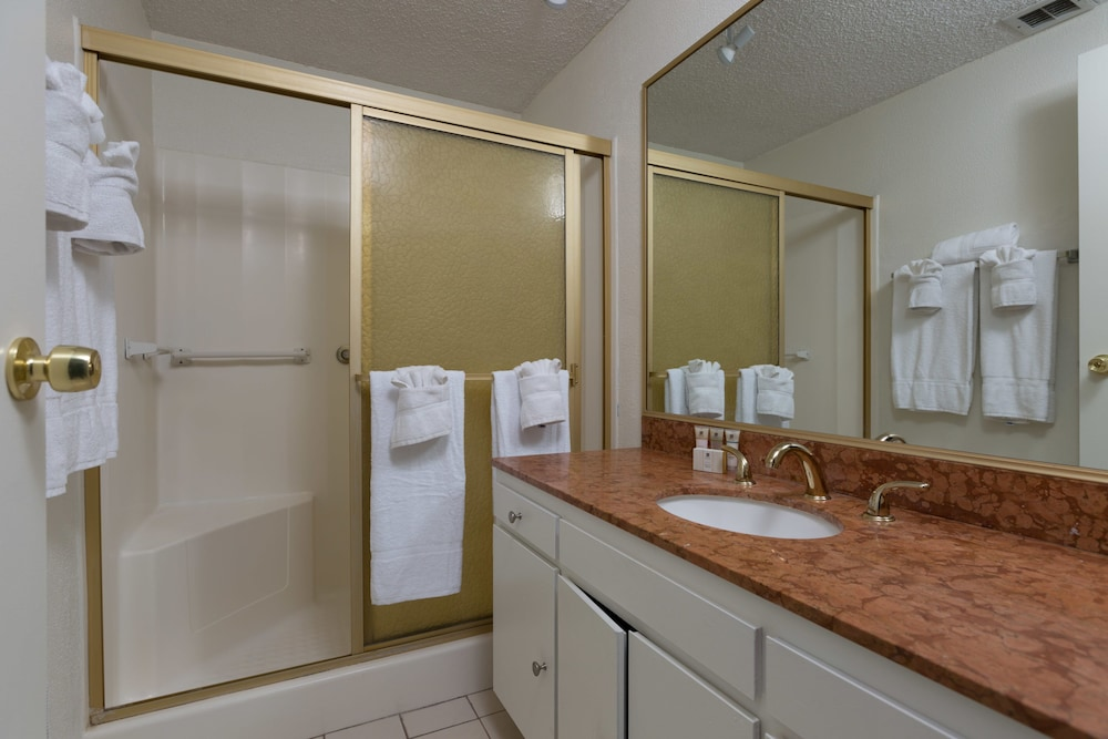 Bathroom, 3-bedroom Capri by the Sea Ocean View Penthouse at Beautiful Pacific Beach