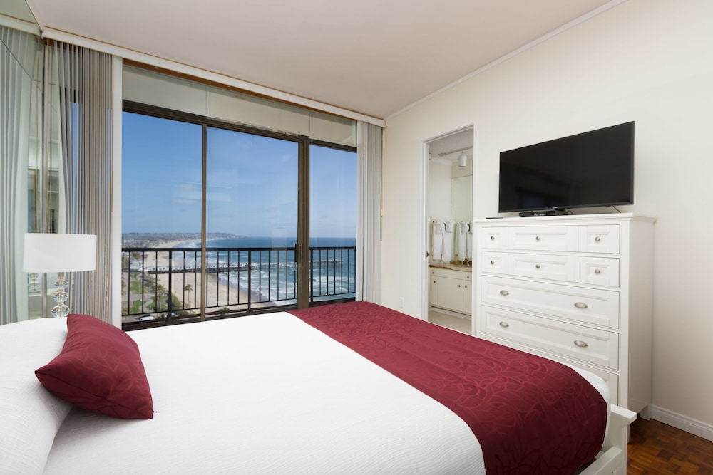 Room, 3-bedroom Capri by the Sea Ocean View Penthouse at Beautiful Pacific Beach