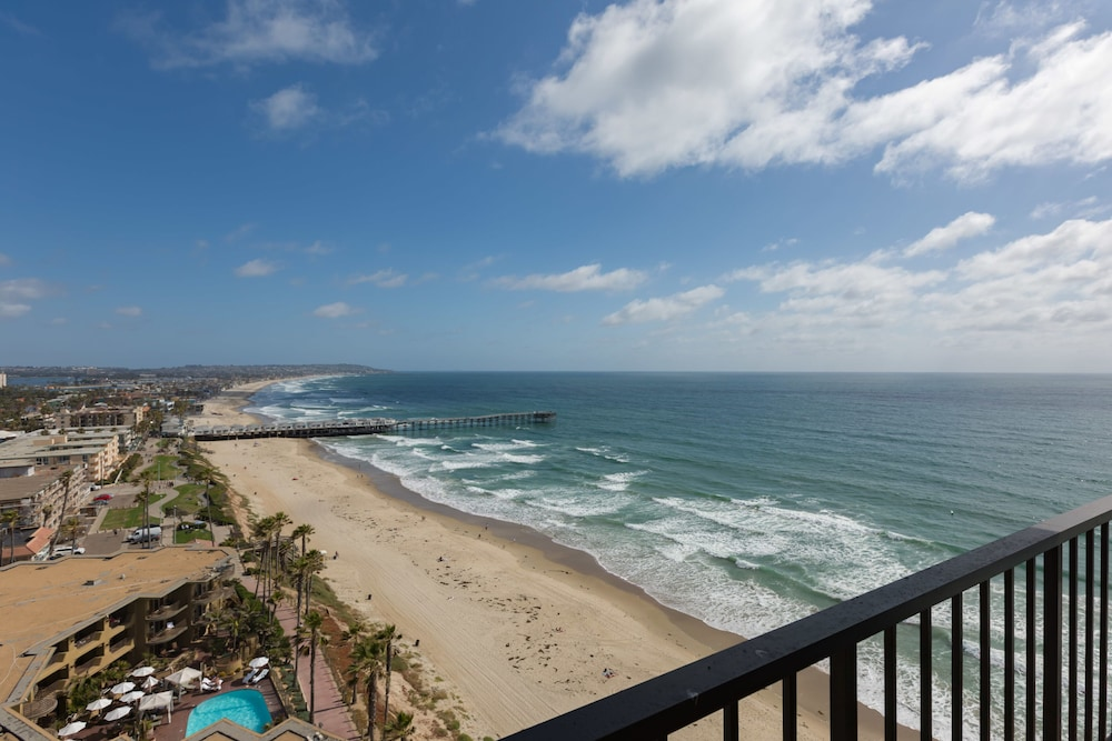 , 3-bedroom Capri by the Sea Ocean View Penthouse at Beautiful Pacific Beach