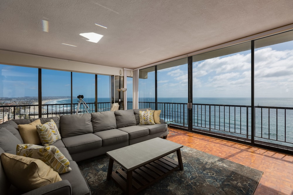 Living Room, 3-bedroom Capri by the Sea Ocean View Penthouse at Beautiful Pacific Beach
