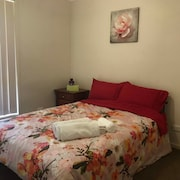 Bright & Beautiful Hotelstyle Apt , Foxtel Sports, Movies, Free Wifi